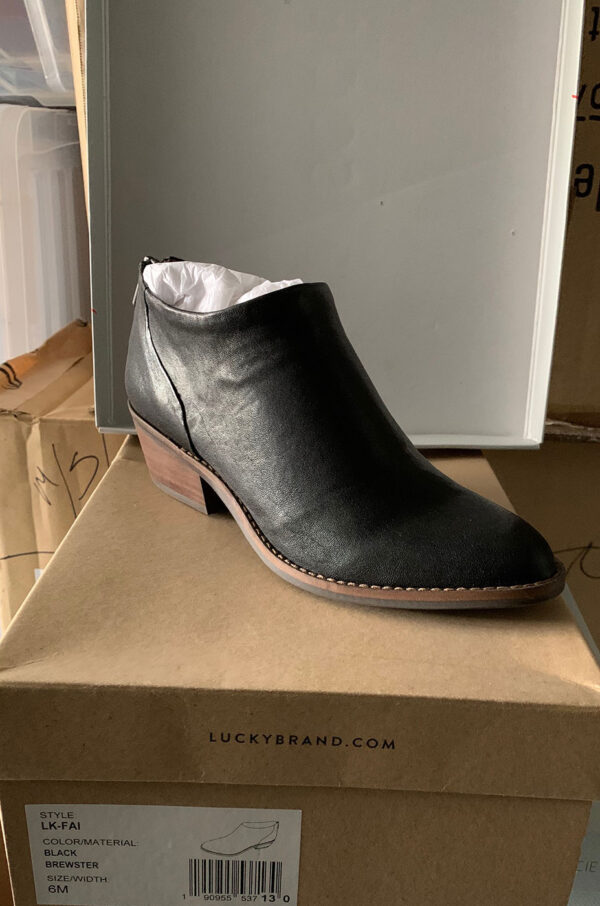 New Item Sole Society Black Leather Stacked-Heel Bootie